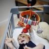 Karuzela do łóżeczka drewniana z pozytywką Szalony Wilk, Ebulobo
